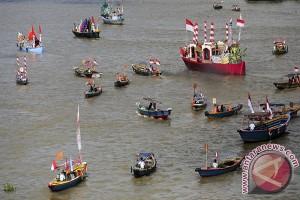 Pacu perahu tradisi warga merangin meriahkan lebaran