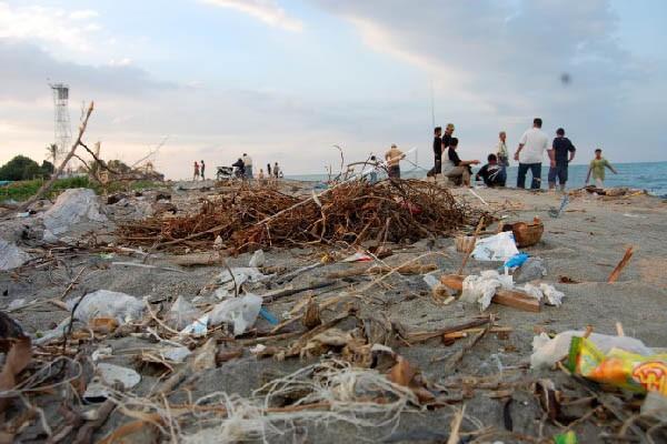 Batam butuh kapal pengangkut sampah laut