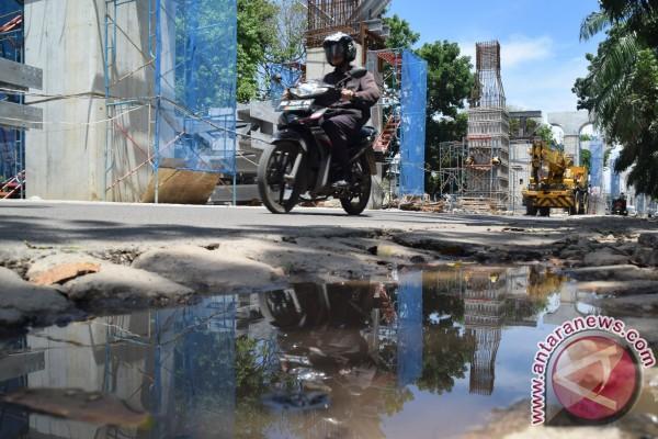 Pembangunan jalan kereta api korbankan kolam retensi