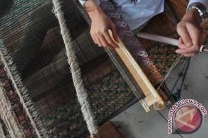 Dekranas: Benang songket masih jadi kendala pengrajin