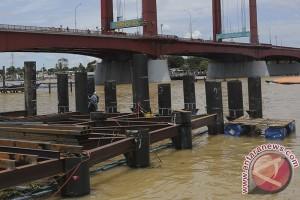 Pengeboran tiang LRT di Sungai Musi dimulai