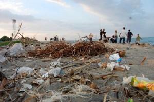 Mendikbud imbau masyarakat tak buang sampah ke laut