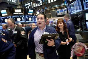 Wall Street terus menurun akibat ketegangan geopolitik