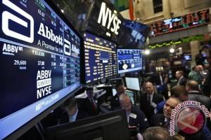 Wall Street menguat didukung data ekonomi dan laporan laba