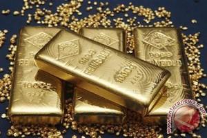 Emas naik tipis setelah pasar saham AS melemah