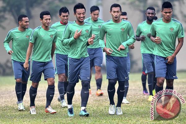 Latihan Timnas Sepak Bola Indonesia  ANTARA News Sumatera