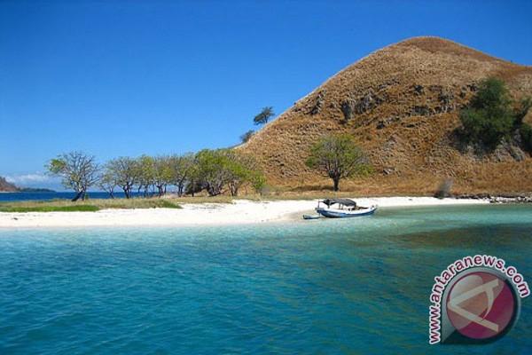 Pulau pasir putih jadi destinasi wisata baru