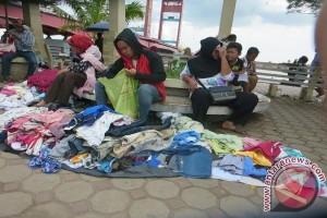 PKL masih berjualan di kawasan terlarang Palembang