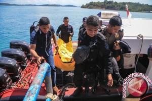 Jenazah korban jatuhnya pesawat polri tia di Kupang