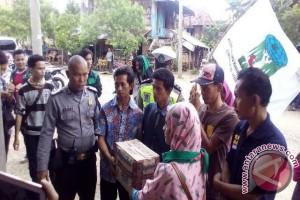Ratusan korban banjir Desa Kepayang terima bantuan