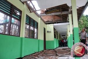 Puluhan sekolah rusak akibat gempa Pidie