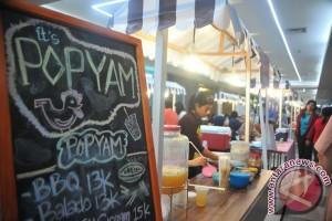Puluhan stan festival sajikan aneka makanan khas