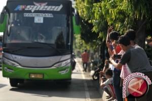 Menhub turunkan wisatawan Thailand dari bus