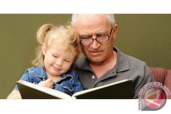 Membudidayakan gemar membaca sejak dini