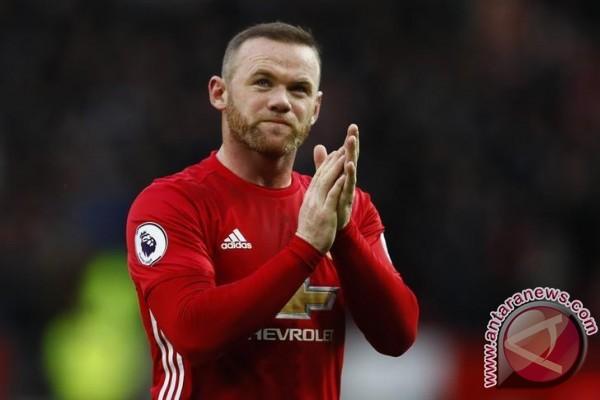 Rooney samai rekor gol Bobby Charlton