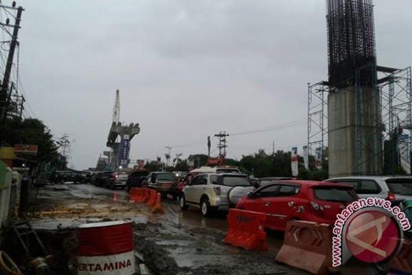 Dampak pembangunan LRT kemacetan kian parah