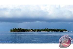 Raja Ampat diminta evaluasi tarif pulau arborek