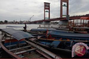 Jumlah perahu 'ketek' di Sungai Musi terus bertambah