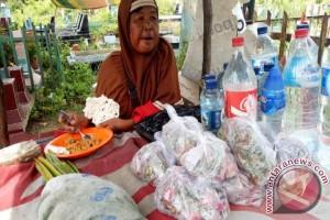 Pedagang bunga di TPU Palembang