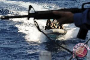 Bajak laut serang kapal nelayan tewaskan 8 orang