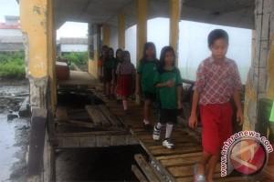 Ancaman putus sekolah di perairan Sumsel tinggi