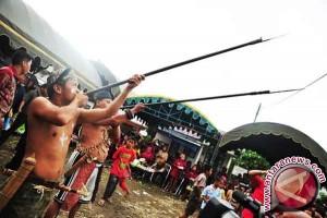 """""""Petan"""" senjata khas suku dayak Ma'anyan"""