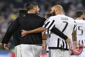 Valencia pinjam penyerang Italia Zaza