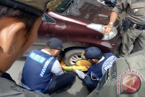 Petugas Dishub Palembang razia mobil parkir liar