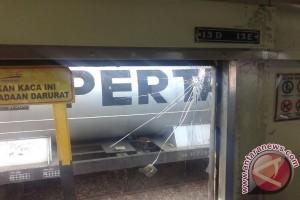 Polisi tangkap tersangka pelemparan KA Serelo