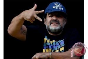 Maradona pukau warga Naples