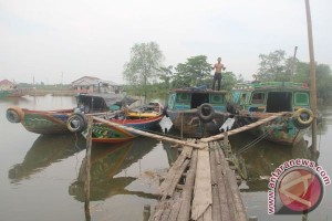 Tak ada dermaga perahu bongkar muat di jamban pemandian