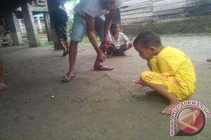 Kebanyakan anak Indonesia lupa permainan tradisional