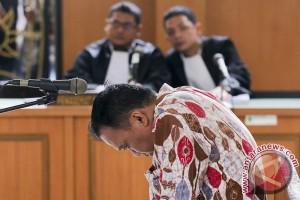 Penyuap Bupati Banyuasin dituntut dua tahun penjara