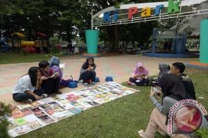 Baca buku gratis sobat literasi jalanan