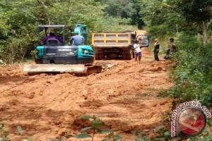 Dinas PU Bengkulu bangun jalan putus akibat diterjang banjir