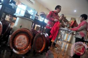 Sejumlah calon Dubes akan perkenalkan kain songket Indonesia