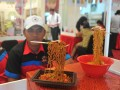 Festival Mie Palembang di Palembang Icon, Rabu (8/2). Festival Mie yang berlangsung pada 8-12 Februari 2017 diikuti 18 pelaku usaha kuliner mie bertujuan memperkenalkan produk usaha kecil menengah sekaligus menyambut perayaan Imlek dan Cap Go Meh 2568. (Antarasumsel.com/Feny Selly/17/Parni)