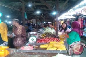 74 pasar tunggu Perda ubah status perusahaan daerah