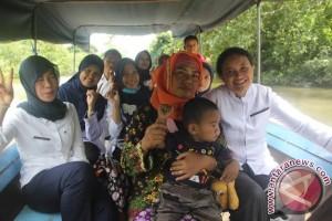 Bidan Desa Jadi Harapan warga Dusun Saluran