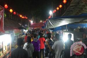 Hujan warnai malam Cap Go Meh di Palembang