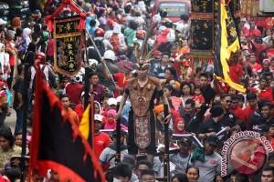 Cap Go Meh Semarang: Tak ada babi