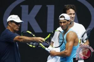 Toni Nadal berhenti latih Rafa setelah musim ini