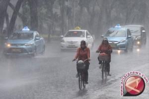 BMKG: Palembang diguyur hujan intensitas sangat lebat