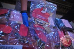 Polda tangkap pemasok senjata teroris bom Surakarta