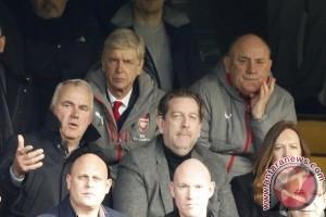 Arsene Wenger dijatuhi skors 3 pertandingan