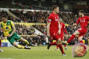 Gelandang Lallana teken kontrak baru dengan Liverpool