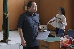 Jaksa tuntut hak politik Yan Anton dicabut