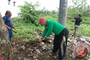 Kecewa Program Jum'at Bersih Kurang Didukung Masyarakat