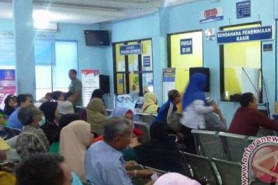 Warga Palembang keluhkan sulit membuat paspor