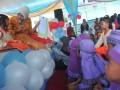Wakil Walikota Palembang Fitrianti Agustinda  membawakan dongeng tentang air di tengah siswa Pendidikan Anak Usia Dini (PAUD) danTaman Kanak kanak (TK) di kawasan Citra Grand City Palembang, Sumsel, Sabtu (18/3). Perayaan hari air sedunia ini diperingati dengan mendongeng bersama siswa PAUD dan TK untuk menanamkan pentingnya kelestarian air di usia sejak dini. ANTARA FOTO/Feny Selly/17
